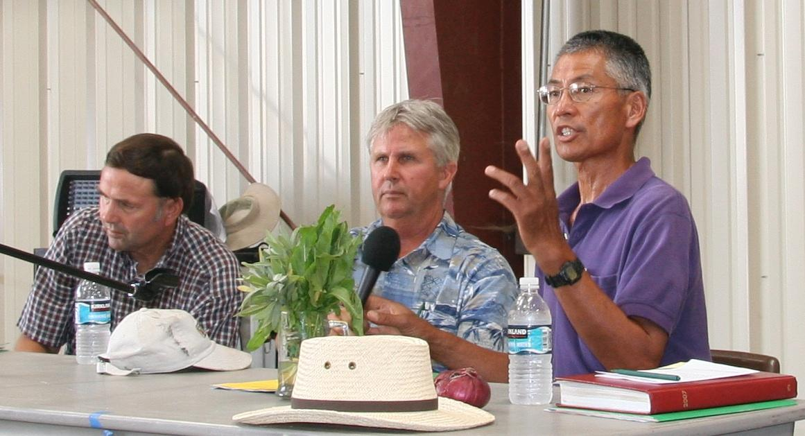 Gene Miyao, moderating a grower panel at a UC sustainable agricultural production field day.